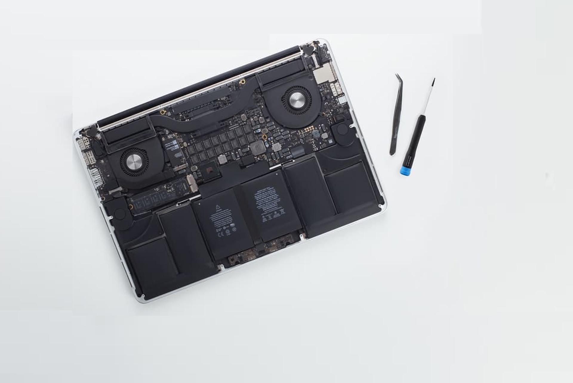 Laptop repair shop